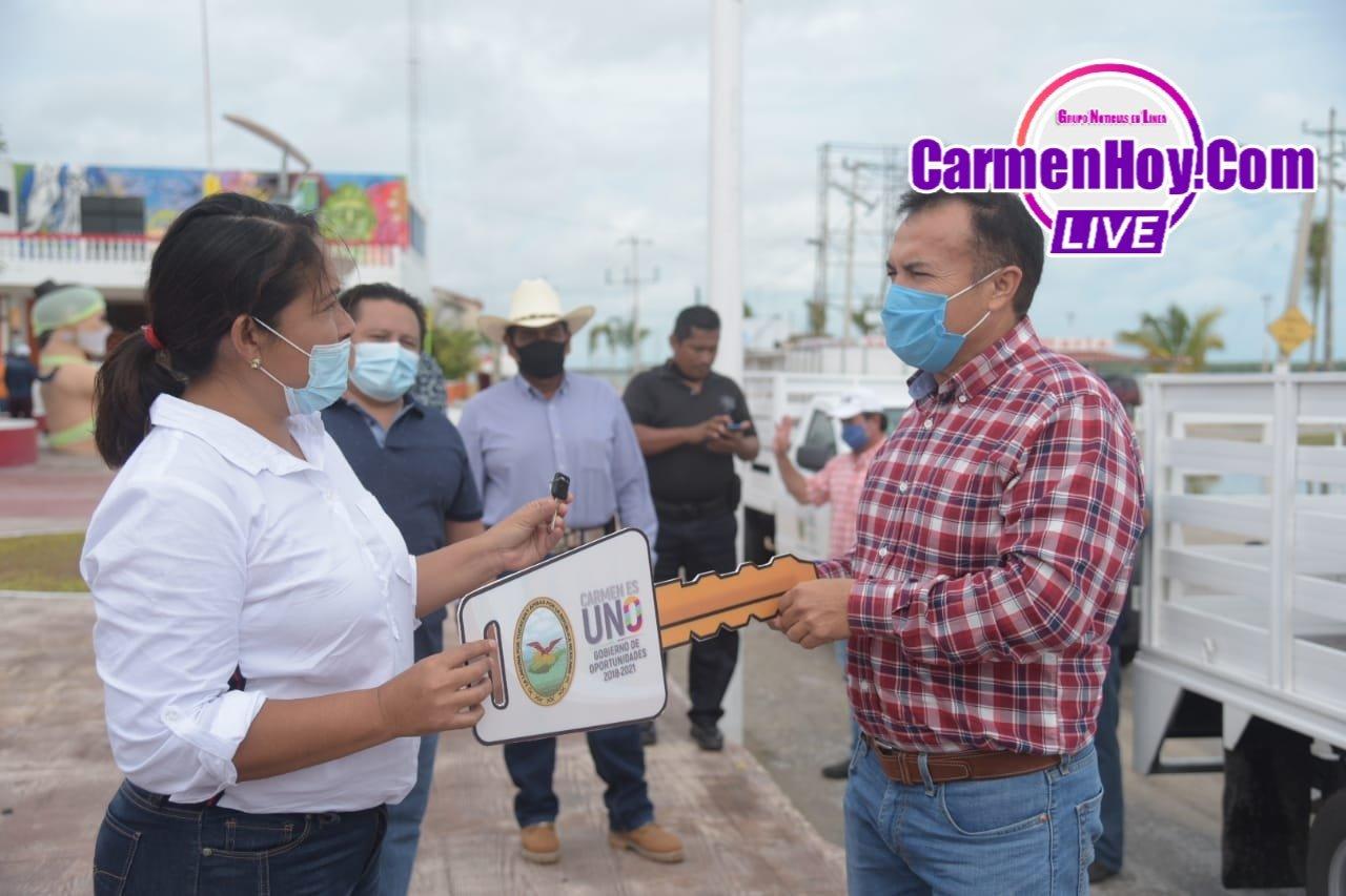sabancuy, mamantel, ayuntamiento - Alcalde entrega 12.5 toneladas de fertilizante a productores de Mamantel y Sabancuy - h-ayuntamiento-del-carmen
